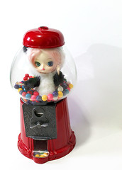 Uh Oh... (RequiemArt.com) Tags: pink red trapped doll panda stuck antique ooak machine dal pullip requiem custom gumball gumballs pandal dgrequiem requiemart
