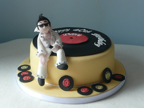 Elvis Cake Ideas http://bigfatcook.com/tipsntricks/foodydoo/music-cakes/