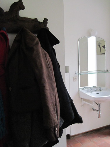 coats, mirror, sink