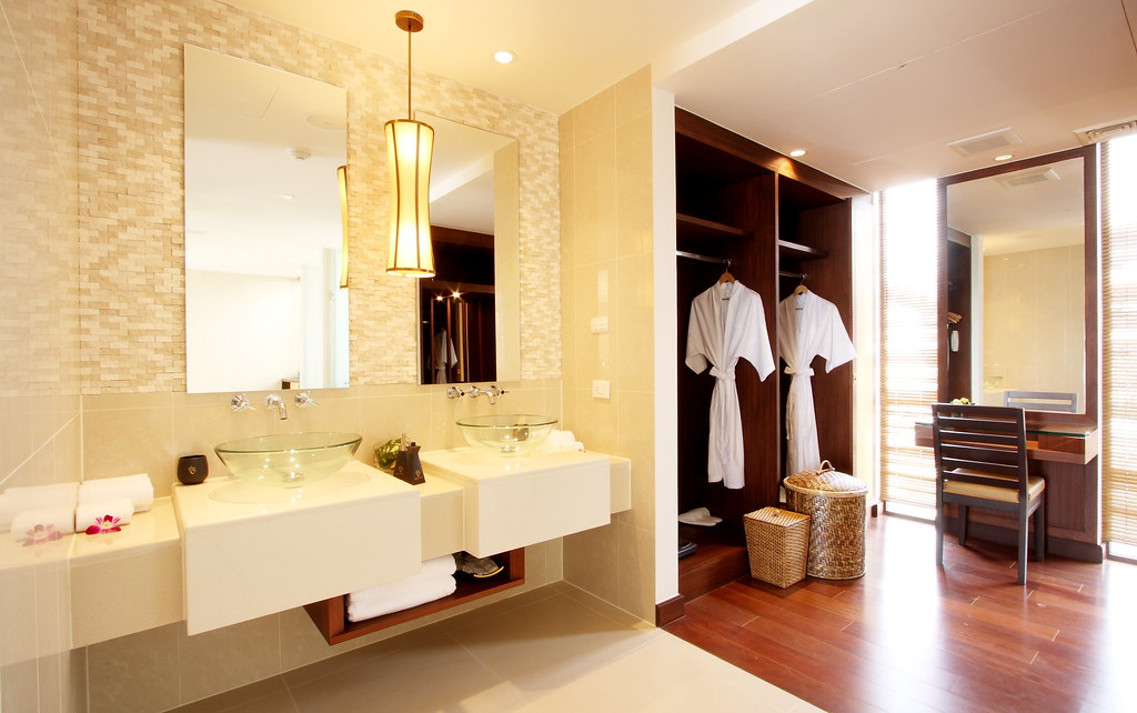 Oceanfront Jacuzzi Penthouse - Dressing Room