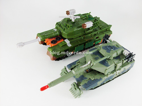 Transformers Bludgeon RotF NEST Voyager vs. Brawl Deluxe - modo alterno