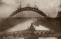068160:Tyne Bridge being constructed photographer unknown 1928 (Newcastle Libraries) Tags: event newcastleupontyne rivertyne builtenvironment tynesidelifeandtimes industryandwork
