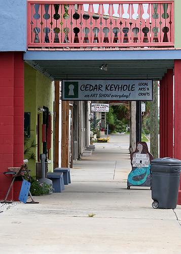 Cedar Keyhole Sign