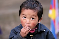 Child in Lukla, the brother (Florent Chevalier) Tags: voyage trip travel nepal portrait people canon geotagged asia child asie himalaya enfant khumbu himalayas lukla himalaia ef85mmf18   himalaja   solukhumbu    himalaje    himalja    himalaji himlaj