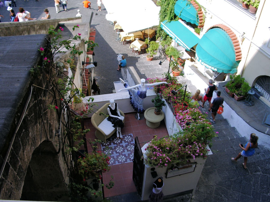 Balcony boutique