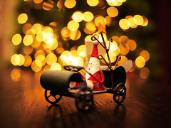 On the 11th day of CHRISTmas.....Santa Came to Town... (Daniel Y. Go) Tags: christmas lumix lights bokeh philippines christmastree panasonic manila 43 decors gf1 mft lumixgf1 panasonicgf1 m43s creativecommonscentral gettyholidays2010 gettyimagesphilippinesq1