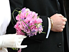 Mani di sposi (Il cantore) Tags: flowers hands mani lilac bouquet fiori newlyweds lilla 15challengeswinner canoniani