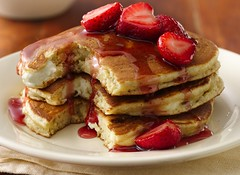 Cheesecake Pancakes (Betty Crocker Recipes) Tags: food pancakes breakfast recipe warm strawberries tasty delicious creamcheese hotcakes maplesyrup goldenbrown friedfood flapjacks grahamcracker bisquick redsyrup bettycrockerrecipes thickpancakes bisquickrecipes pancakeswithfruit