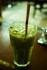 Green Tea Latte (Beum Gallery) Tags: dof drink bokeh depthoffield drinks latte greentea macha japanesegreentea