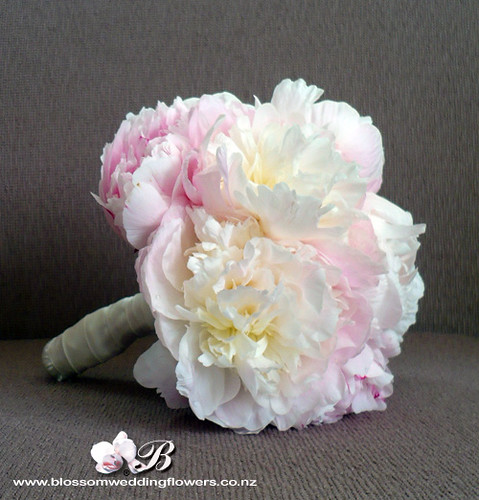 pale-pink-peony-bouquet