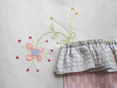 I have flowers in my pocket... ( Ana's Place ) Tags: flowers shop embroidery etsy pocket totebag