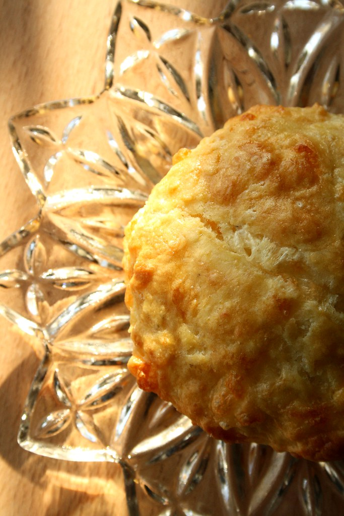 Lynn Crawford's Cheddar Cheese Biscuits