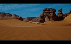 Forzhaga arch > Sahara desert > Libya (Aman Iman ) Tags: sahara rock landscape sand arch desert dune sable paysage libya rocher dsert arche libye naturalarch akakus forzhaga archenaturelle