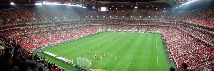 Estádio_da_Luz_em_dia_de_jogo