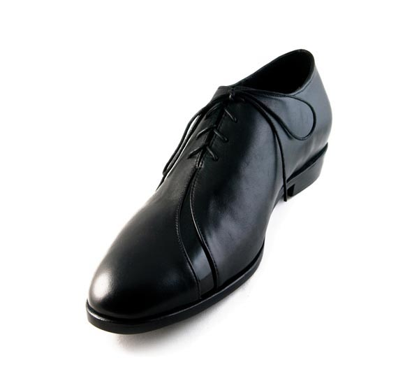 Figura 07 Shoes56_Slashed Oxford in Black Nappa and Patent