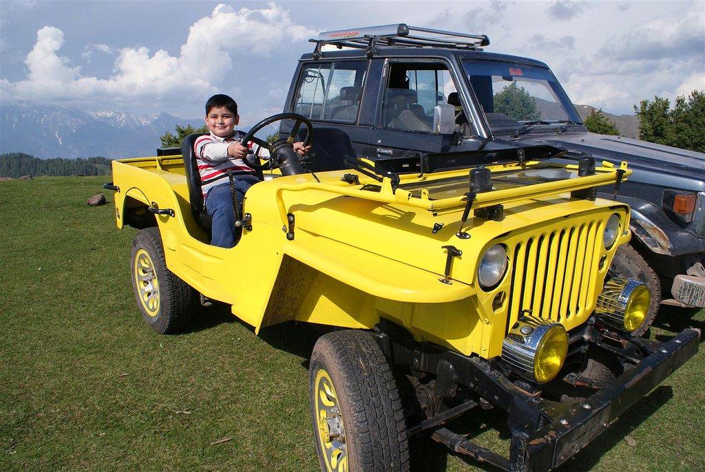 Muzaffarabad Jeep Club Trip to Pirchanasi - 5707986766 c8e6a488e4 b