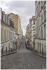Stoned (Dani Carmona) Tags: paris france montmartre street art winter building rue