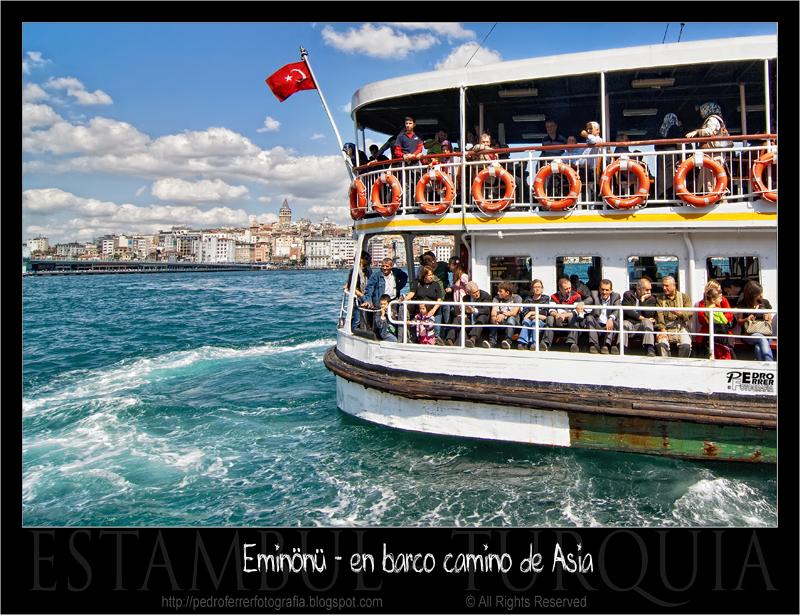 Eminönü - en barco camino de Asia (Uskudar)