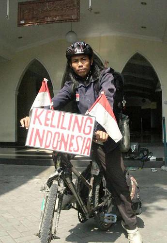EGI SURYANA BERKELILING INDONESIA