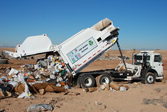 Casa Grande unit in Action Nov 16, 2009 (scorpionsideloader) Tags: arizona green art trash truck garbage state body side go can save scorpion upper refuse recycle loader sales dollars automated unit picker efficient mfg dadee