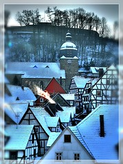 Gudensberger Altstadt im Winter. (Haldorfer) Tags: city travel schnee winter vacation snow castle tourism architecture fairytale germany deutschland holidays cityscape hessen urlaub medieval fantasy stadt architektur framework altstadt allemagne ferien soe freizeit hdr germania tourismus halftimbered historiccity reise mrchen hesse fachwerk stadtansicht sehenswrdigkeit gudensberg photomatix nordhessen obernburg mywinners abigfave platinumphoto colorphotoaward goldstaraward imagesforthelittleprince miasbest updatecollection sailsevenseas trolledproud dblringexcellence haldorfer jrgenkrug rememberthatmomentlevel1