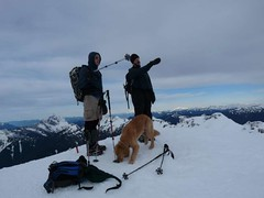 Mike and Erik peak pointing (Gus enthralled)