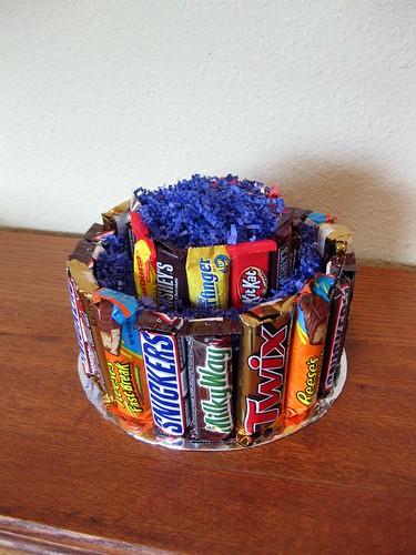 Торты из шоколадок и конфет своими руками фото