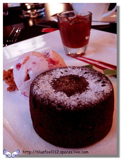 100211維多麗亞 N°168 PRIME STEAKHOUSE 24_草莓冰淇淋 & 熱巧克力蛋糕