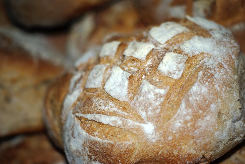 Boules de pain by zigazou76, on Flickr