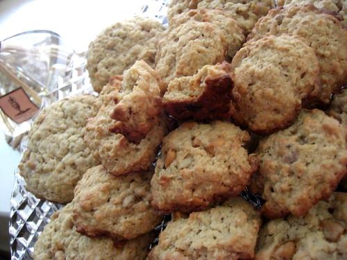banana-walnut-chocolate chunk cookies