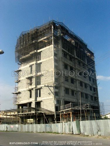 8 storey Smallville21 Hotel Topped Off – 04/10 Update
