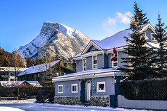 Blue Mountain Lodge, Banff town. (patrickmcelwee1) Tags: rundle banff alberta canada mount bluesky moon