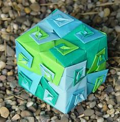 """4-Arm Wirbel-Würfel""  von Toshikazu Kawasaki (Tagfalter) Tags: modular cube toshikazukawasaki oriami"