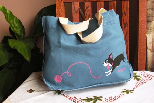 Bob Chasing Yarn Tote Bag