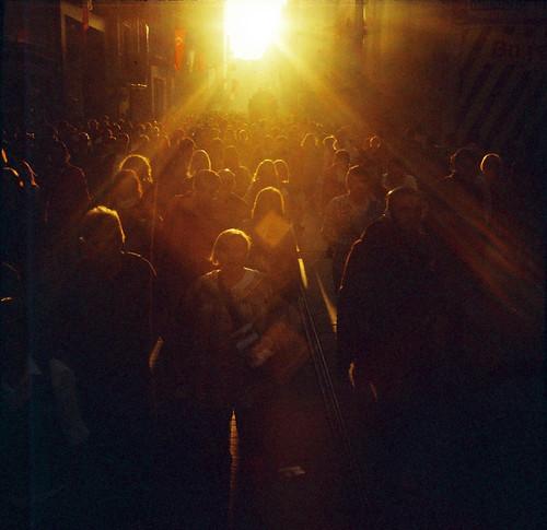 フリー写真素材, 人物, 集団・グループ・群衆, 夕日・夕焼け・日没,
