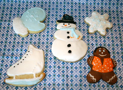 Winter Themed Cookie Set (alicakescupcakery) Tags: snowflake snowman skate mitten gingerbreadboy alicakes cookieset alicakescupcakery