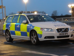 Warwickshire Police Volvo V70 Roads Policing Unit (ModellerRob's ESV Photos (One)) Tags: volvo police led roads coventry patrol warwickshire ae battenburg response unit v70 policing walsgrave