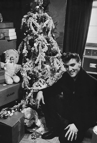elvis_christmas_tree-