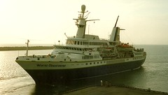 MS World Discoverer (Aah-Yeah) Tags: world cruise peru ship lima vessel schiff trujillo salaverry kreuzfahrt discoverer