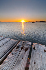 Primeras luces del 2010 (Carlos J. Teruel) Tags: espaa sunrise mar nikon paisaje murcia reflejo 2010 d300 losurrutias tokina1116 xaviersam