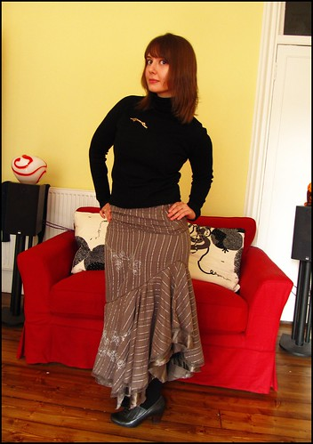 17.1.10: ruffled long skirt