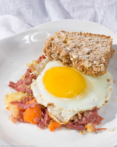 Sous Vide Supreme: corned beef hash