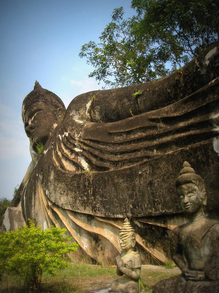 Bouddha allongé au Bouddha park