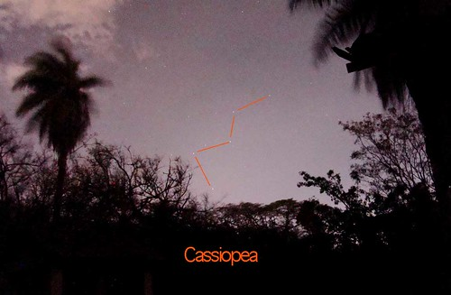 Constelación de Cassiopea al norte