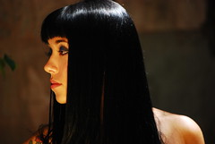 [フリー画像] [人物写真] [女性ポートレイト] [ラテン系女性] [横顔] [黒髪]      [フリー素材]