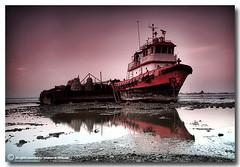 Silent Waters (ibrahem N. ALNassar) Tags: sea canon landscape eos 5 n l 5d kuwait usm destroyed ef 1740mm f4 in ابراهيم الكويت كويت alnassar my كانون ibrahem الصامتة النصار المياة