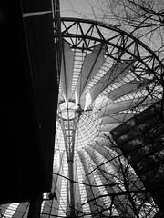 Sony-Center Berlin - Dach (Demarmels) Tags: white black berlin potsdamerplatz sonycenter architektur tobias dach weiss schwarz helmutjahn demarmels tobiasdemarmels tobiasdemarmels