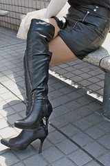 Black Boots 20 (Ayanami_No03) Tags: people woman stockings japan tokyo scenery legs boots skirt  leatherskirt blackboots   eoskissx4 eos550d
