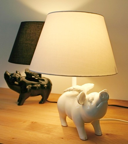 "Art Work Studio ""lampu meja Flying-piggy"""