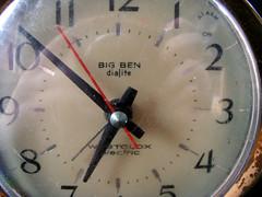 westclox electric dialite clock 8 (JillHannah) Tags: blue macro alarm clock electric blackbackground vintage bigben 652 westclox jillhannah dialite westcloxelectricdialiteclock